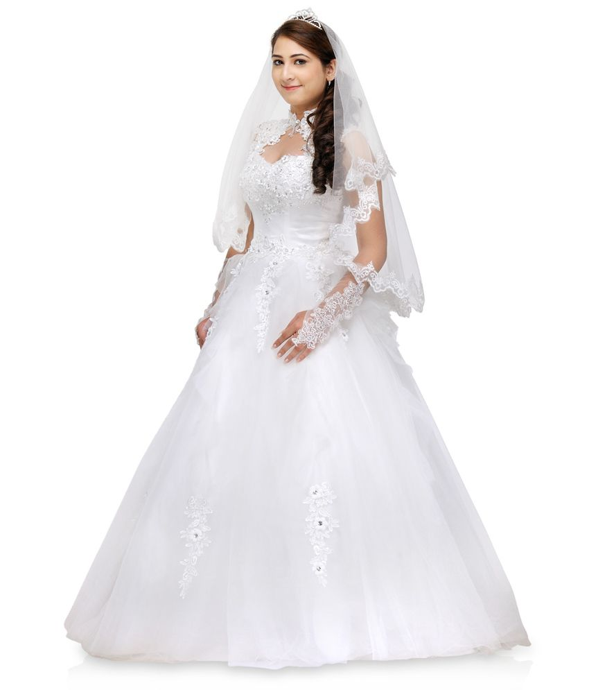 481c144d9 La Fanatise White Lace Gowns - Buy La Fanatise White Lace Gowns ...