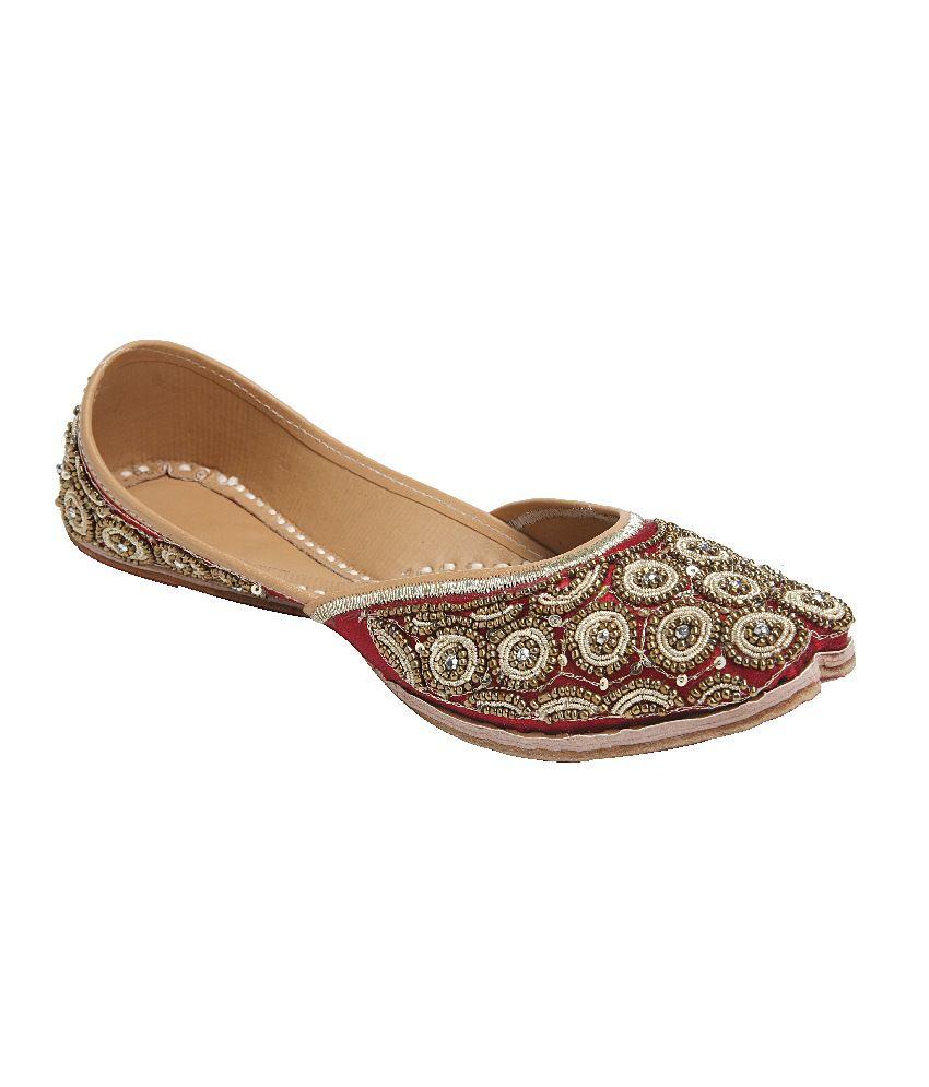 Ta Chic Maroon Flat Round Toe Ethnic Shoes