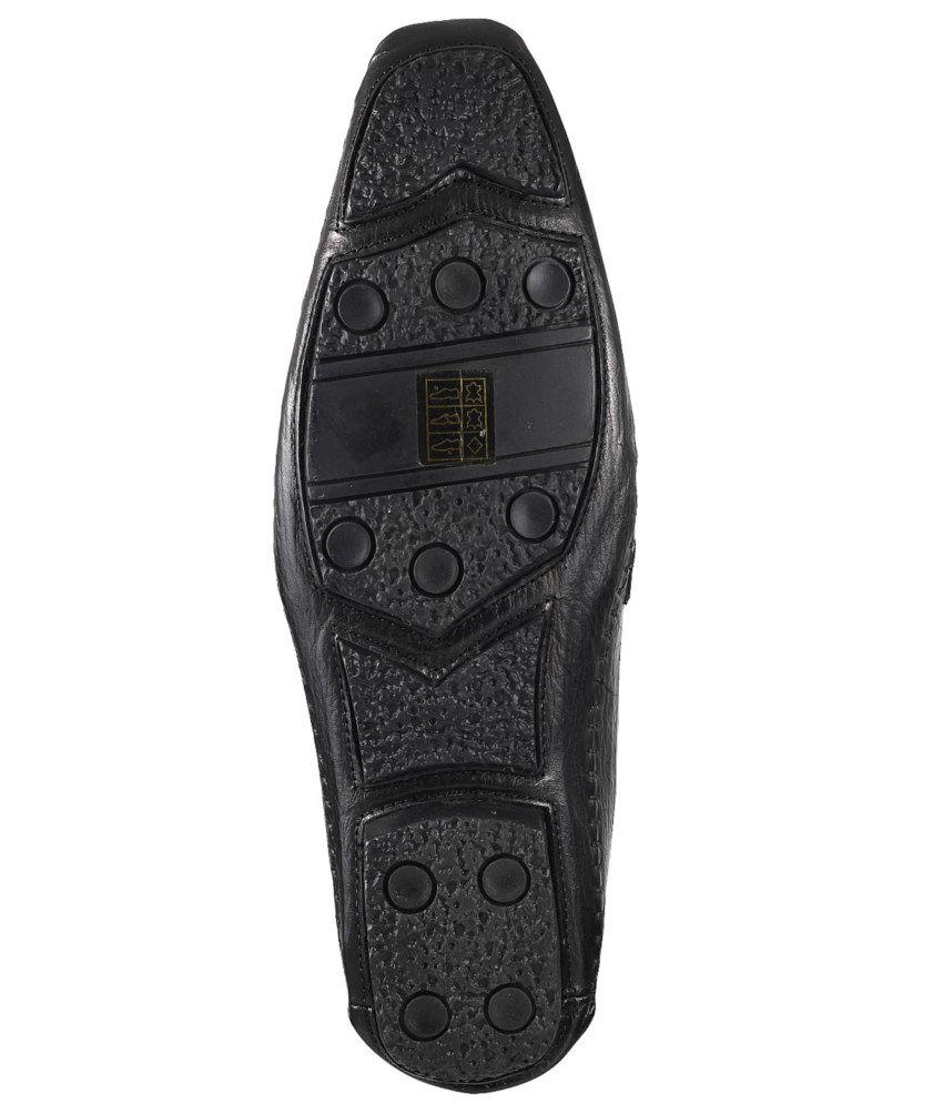 Mochi Shoes Online