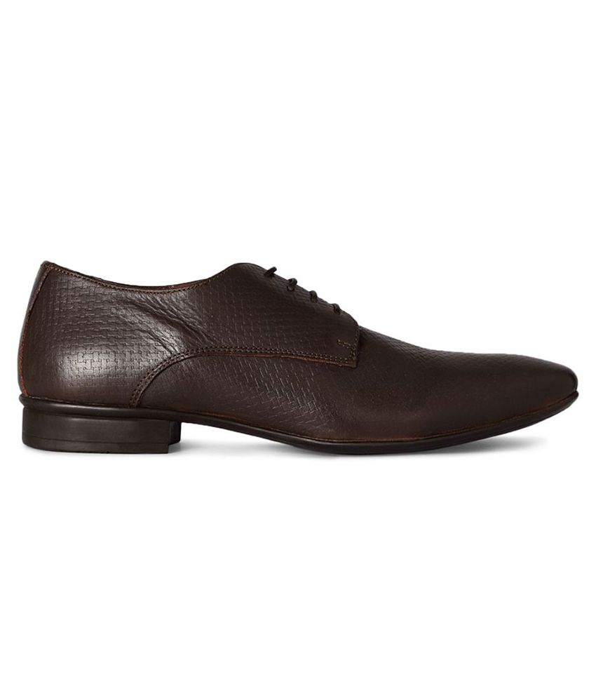 509b58ec691 Van Heusen Brown Formal Shoes Price in India- Buy Van Heusen Brown ...