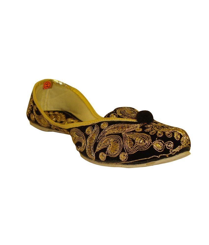 Globe Retail Designer Black Punjabi Jutti