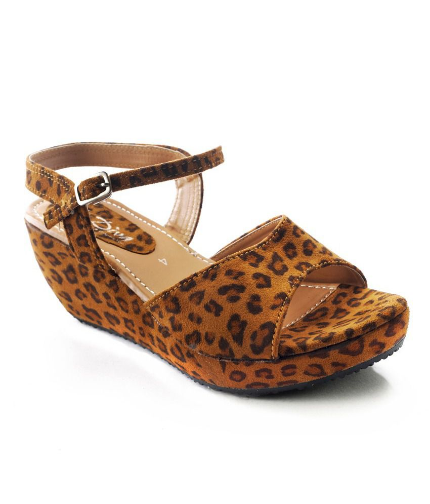 Diva Brown Wedges Sandal