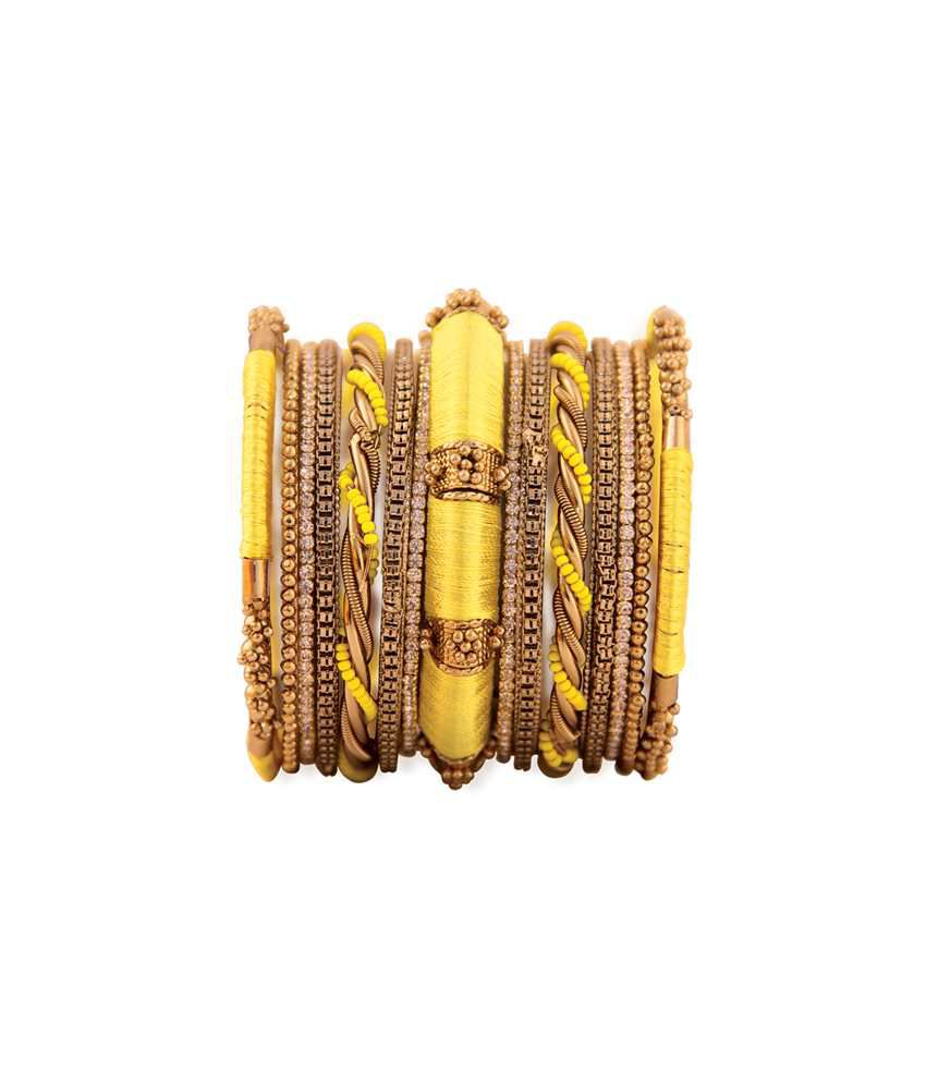 Vaishali Bindi And Yellow Bangle Set