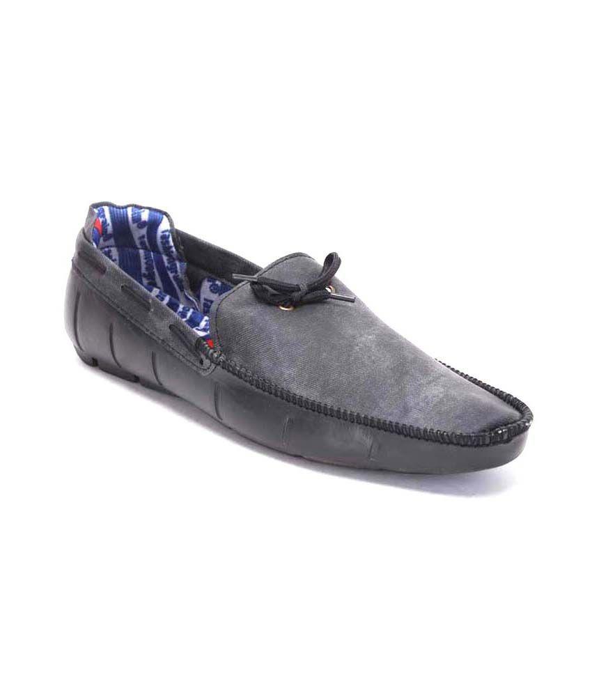 Quarks Black Loafers