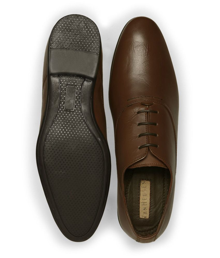 aca90d02f6 Van Heusen Brown Formal Shoes Price in India- Buy Van Heusen Brown ...