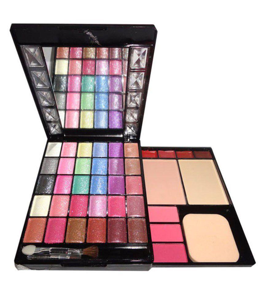 Kiss Out Of Makeup: Kiss Beauty Make-up Kit 30 Eyeshadow,3 Blusher, 2 Compact
