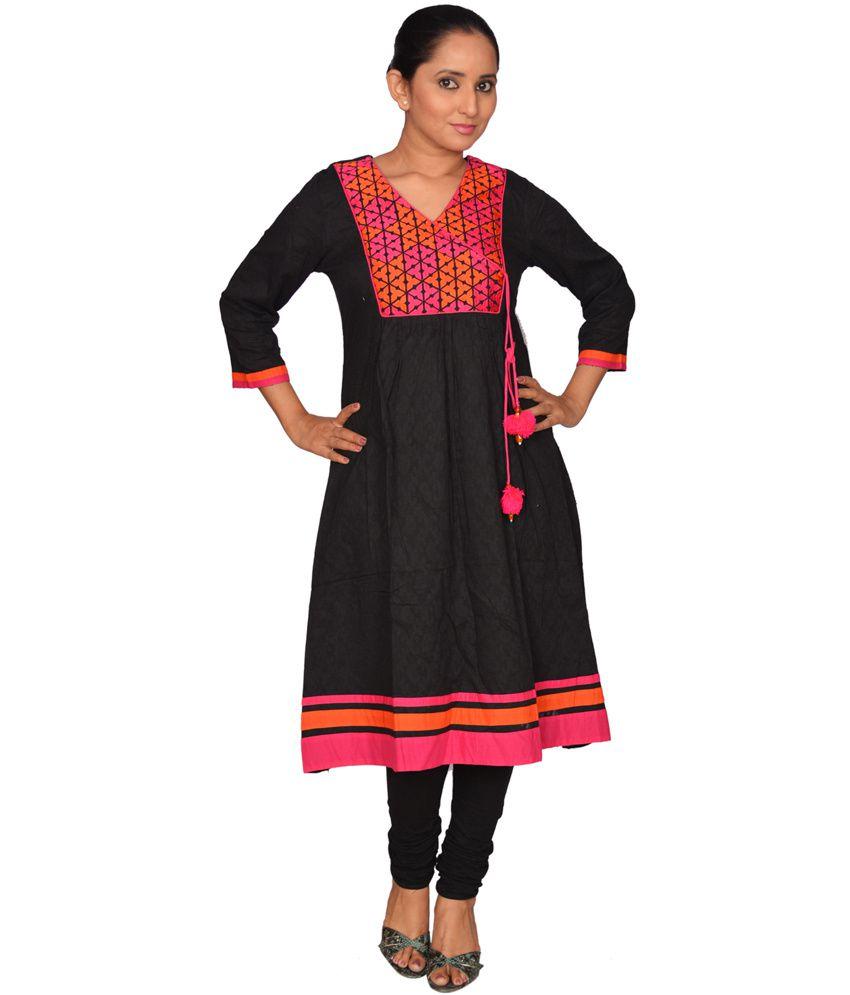 Devishi Multi Color Embroidered Cotton V-neck Long Kurti