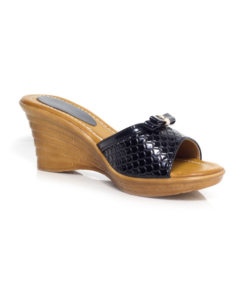 Craze Shop Black Wedge