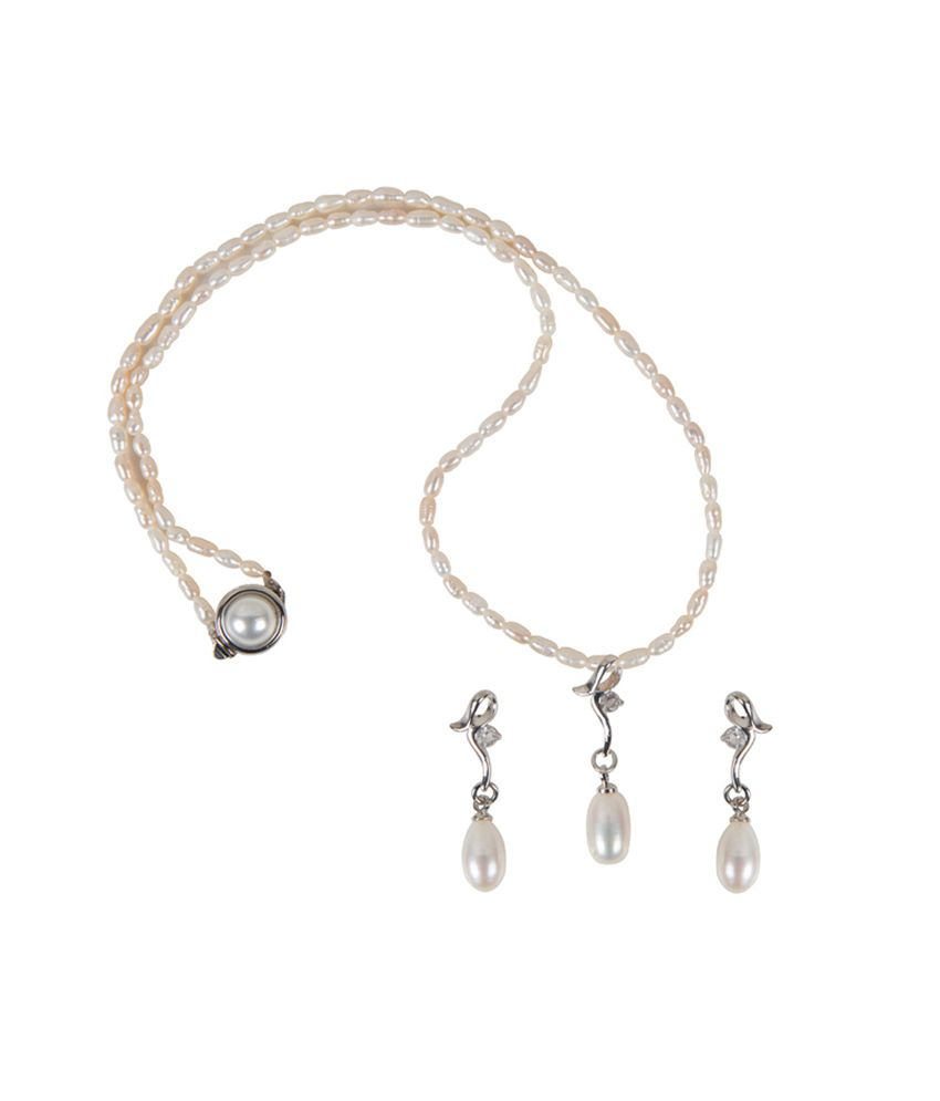 Taj White Pearl Designer Pendant Necklace Set