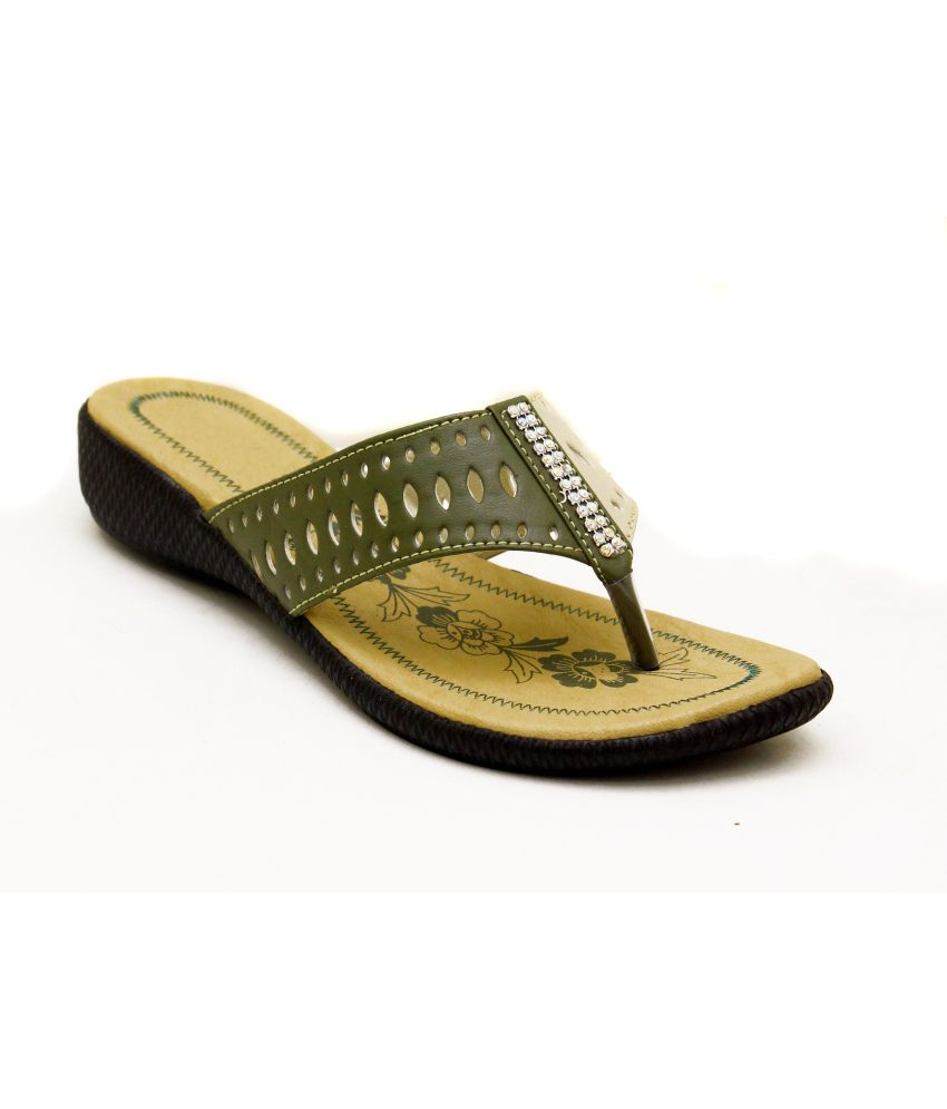 Canvera Green & Cream Faux Leather Heeled Slip-On