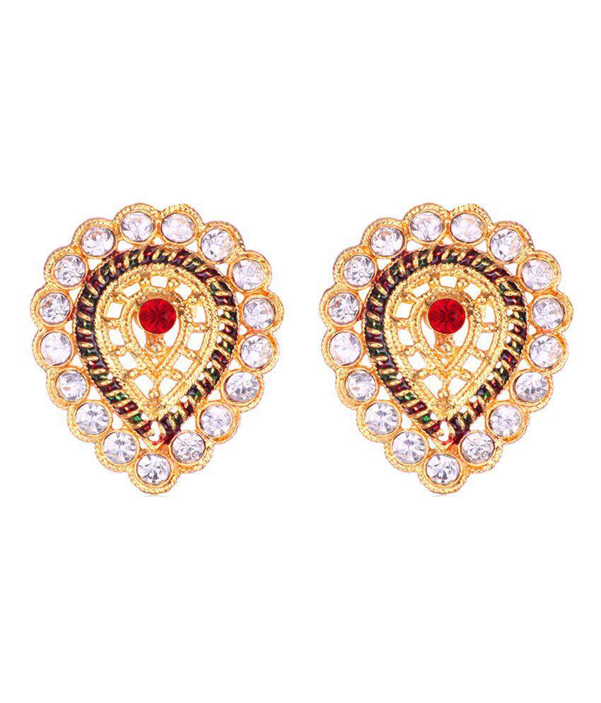 Fashion Dolchi diamond studded stud