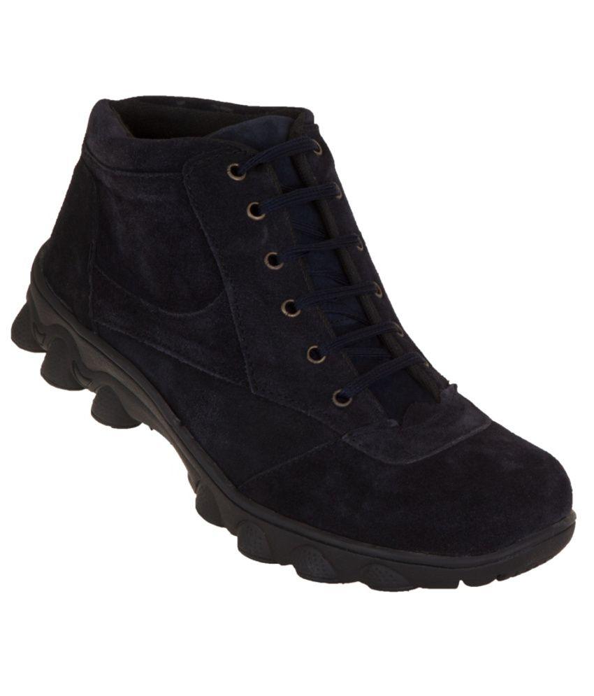 Zovi Durable Black Boots