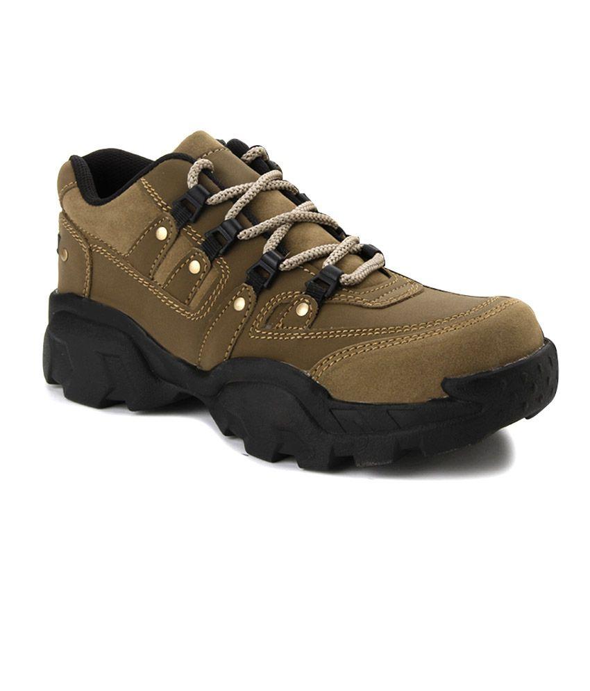 Andrew Scott Men Beige Boots