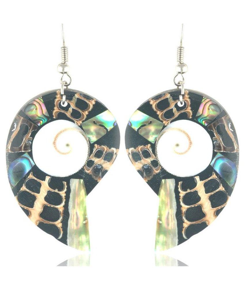 Swanvi Modern Snail Shell Earrings