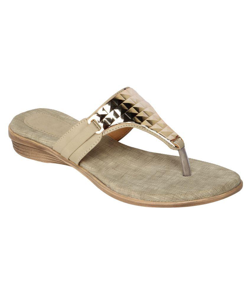 Niremo PeachPuff Faux Leather Sandal