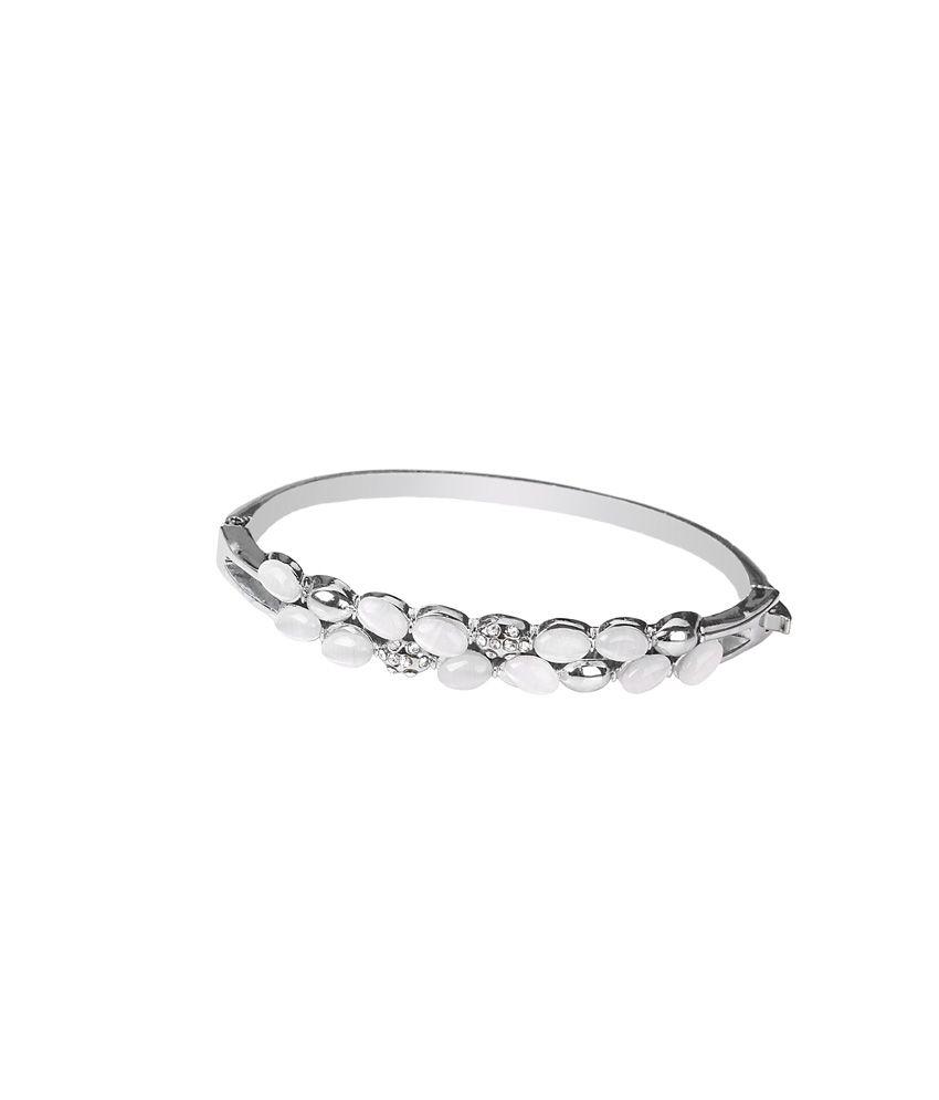 Takspin Silver Alloy Casual Hit Bracelet