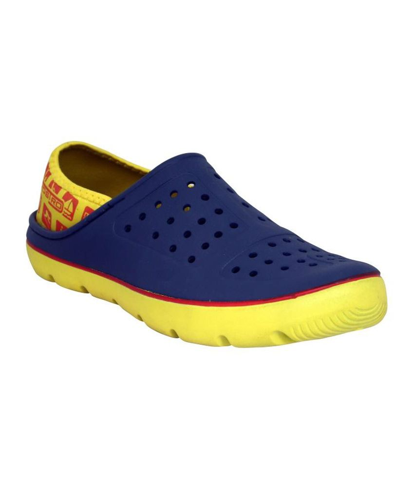 f3c627813d Vostro blue and yellow lifestyle crocs for mens Price in India- Buy Vostro  blue and yellow lifestyle crocs for mens Online at Snapdeal
