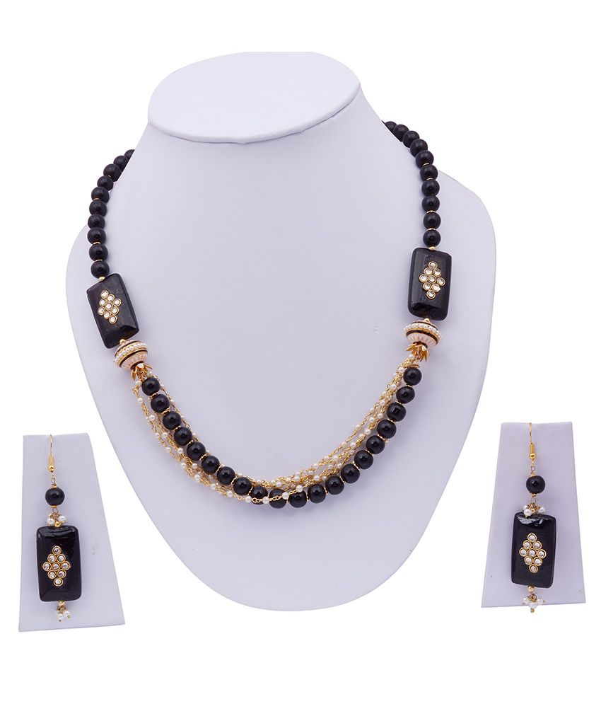 Jewelina Gems Black Traditional Colour Spark Necklace Set