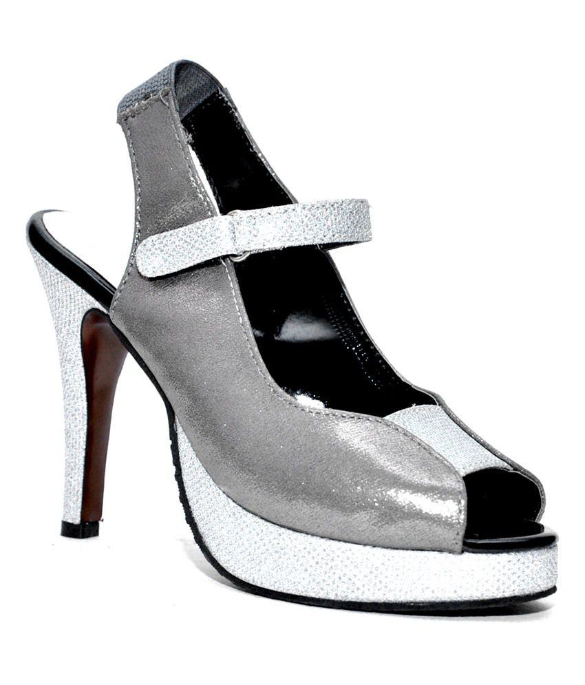 Trotters Light Silver Stylish Heeled Sandal_Silver