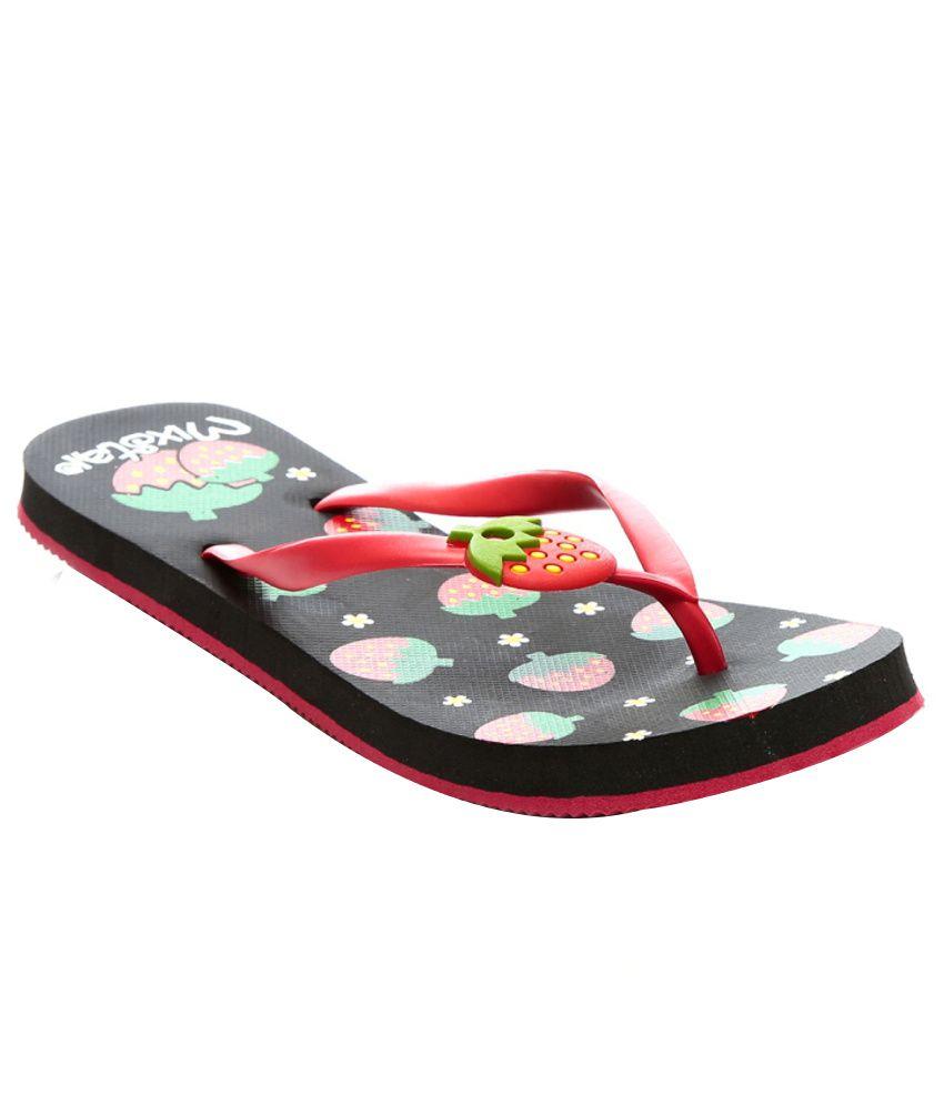 Nell Stylish Black Flip Flops