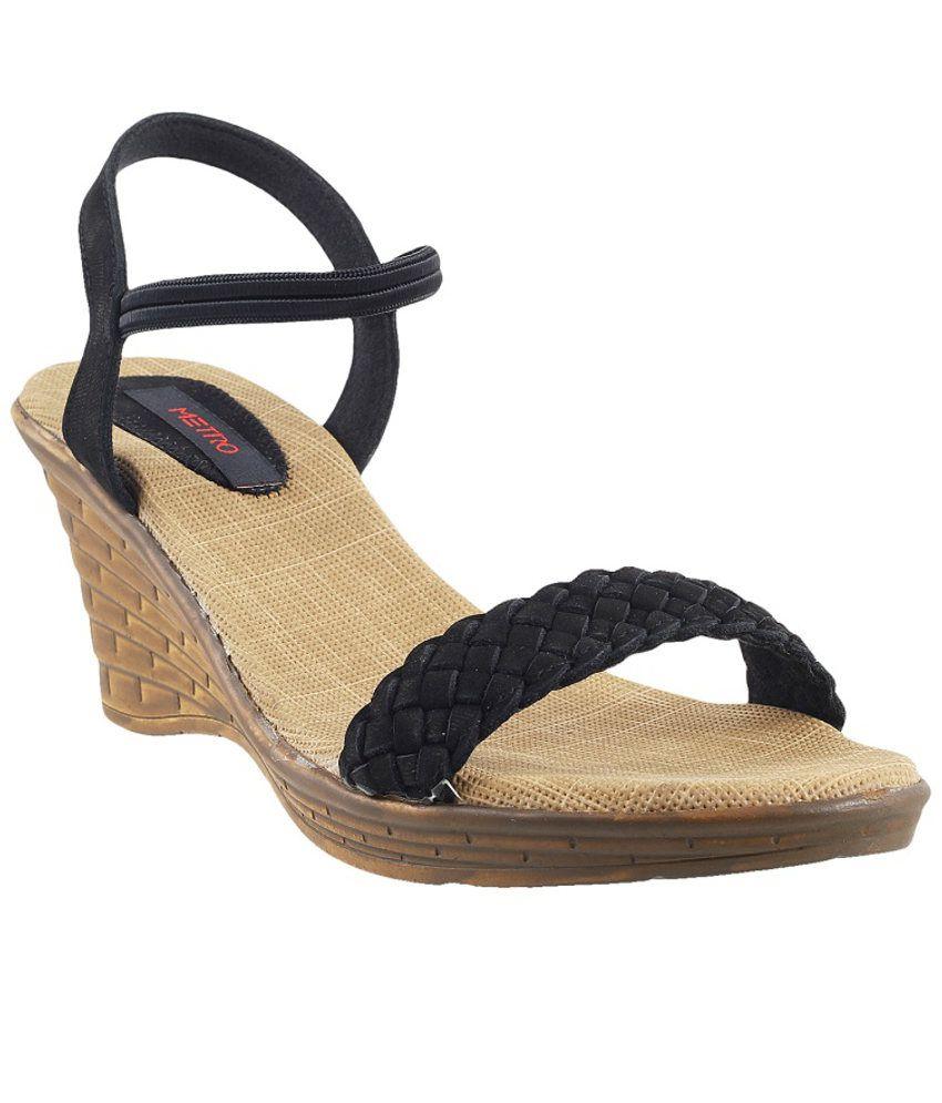 Metro Classy Black Heeled Sandals