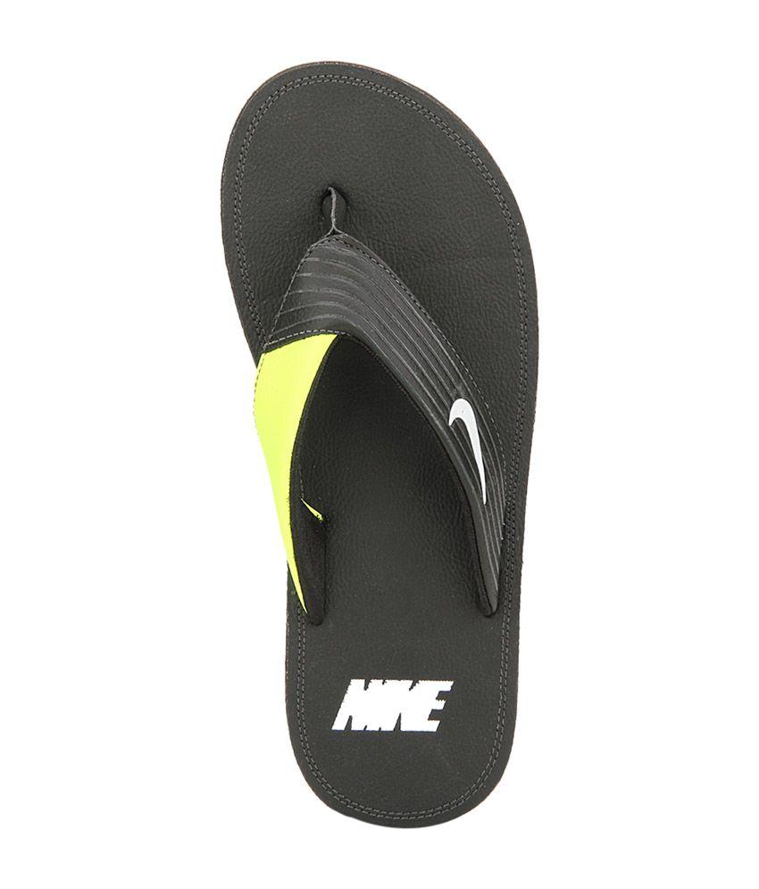 a80401227d1fa3 Nike Black   Green Chroma Men Slippers Price in India- Buy Nike ...