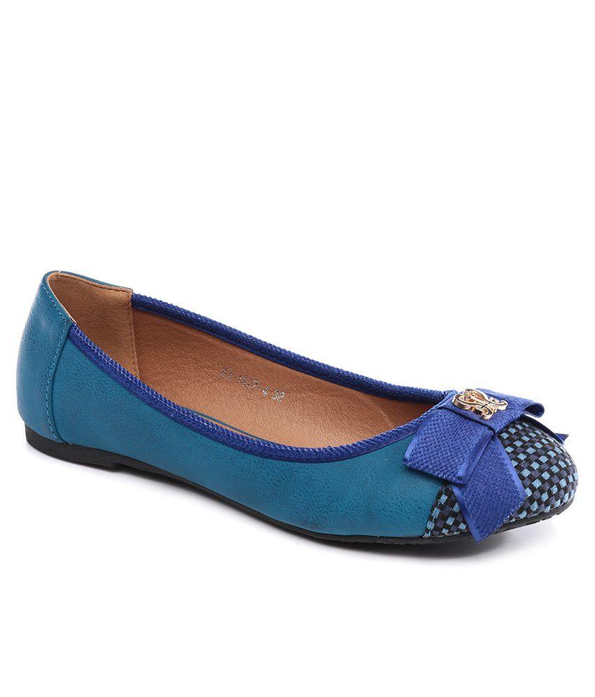 Inc.5 Blue Cap Toe Ballerinas