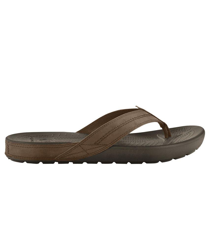 fe77a77ac Crocs Relaxed Fit Croslite Brown Flip Flops Price in India- Buy ...