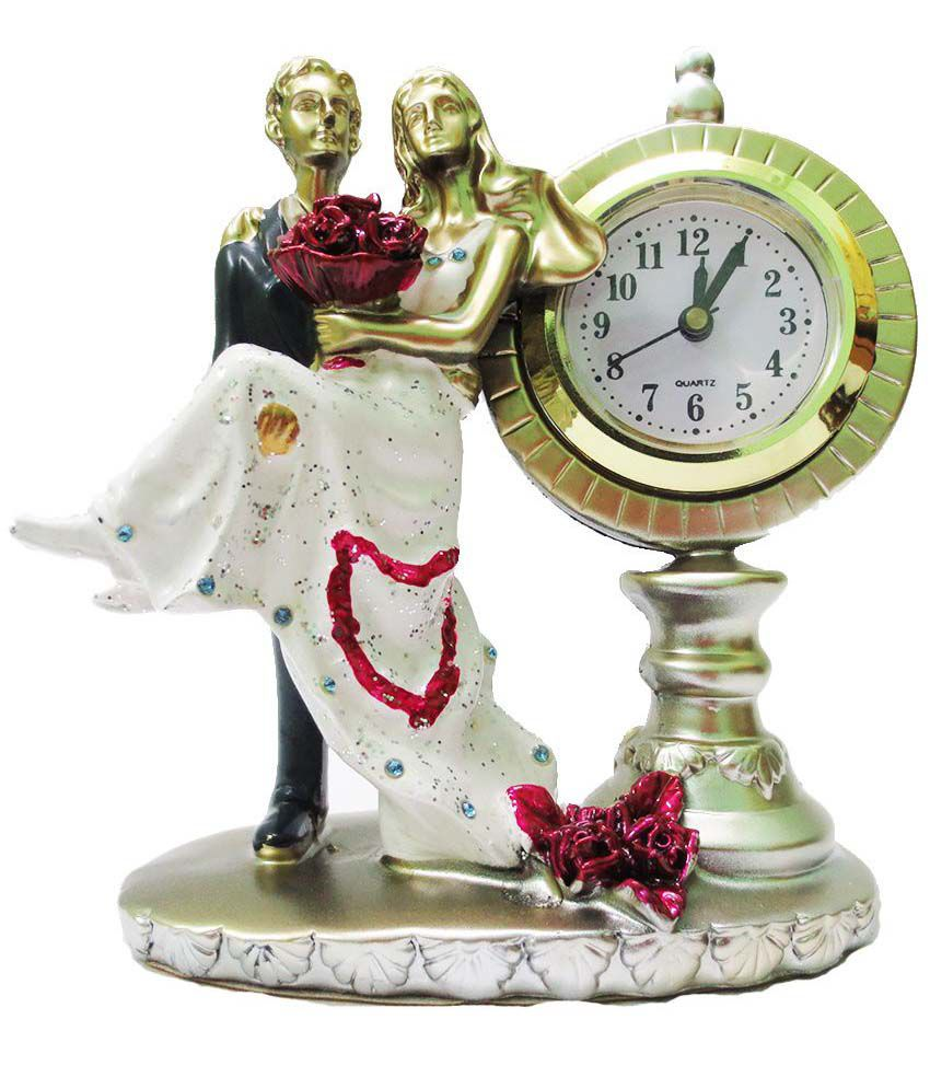 DilSeDeal Glossy resin Romantic Couple Table Clock Showpiece