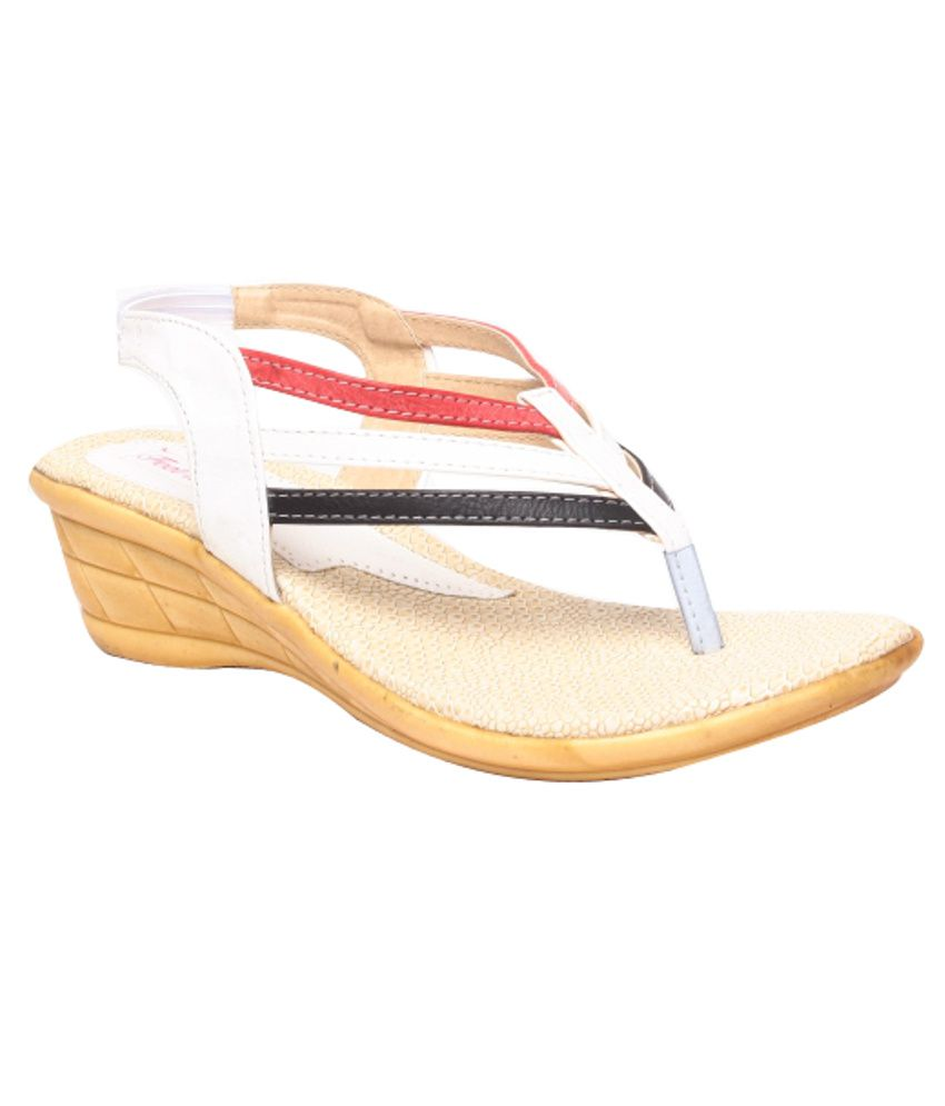 Feel It Fashionable White Heeled Sandals