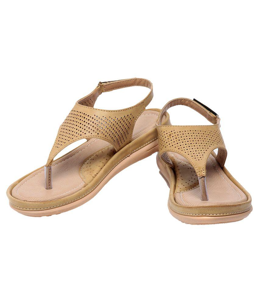 Feet n Knots Beige Flats