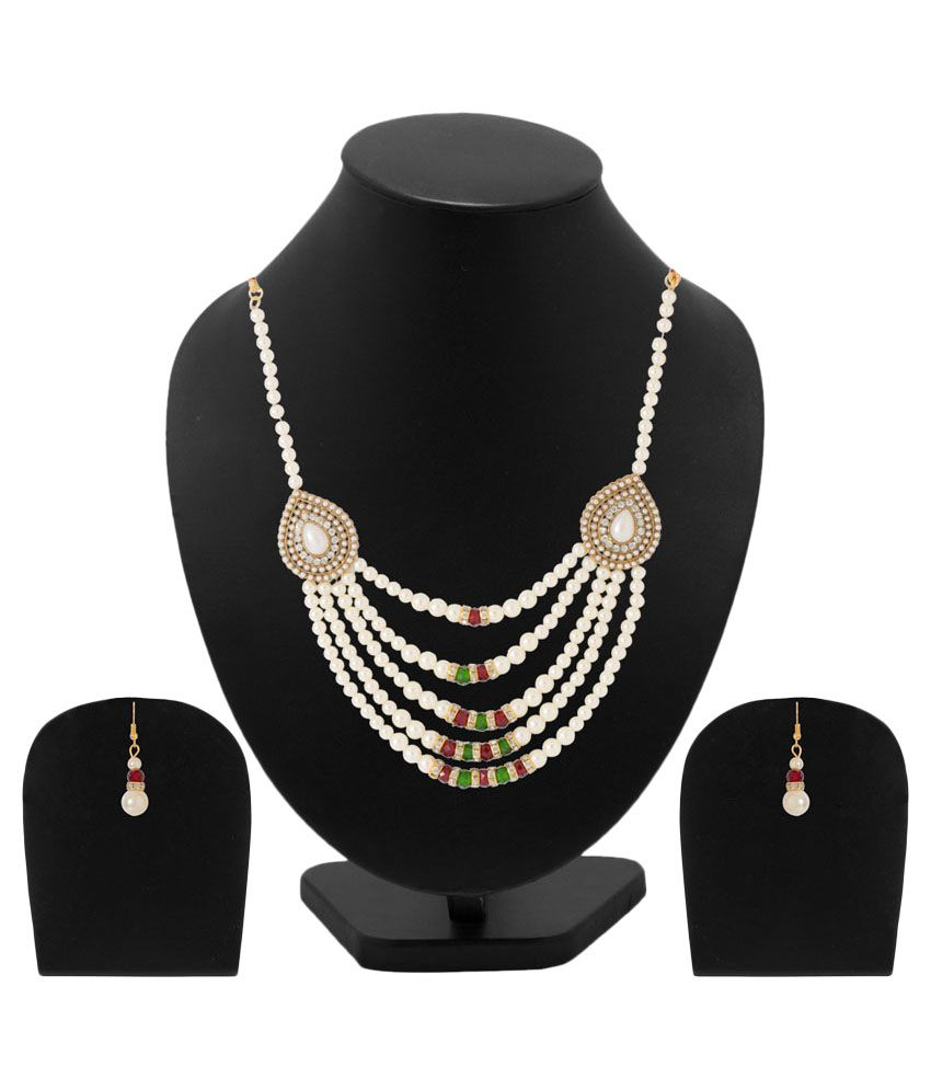 Voylla Golden Alloy Crystal Necklace Set