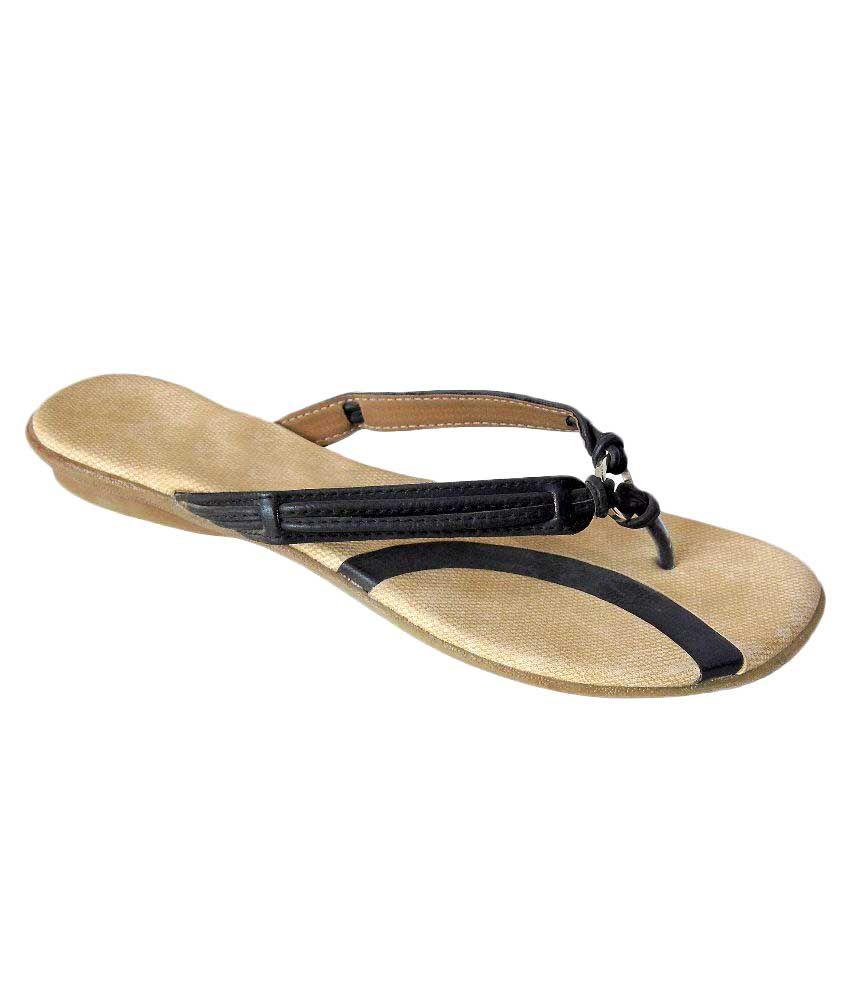 Sahyadri Black Slippers