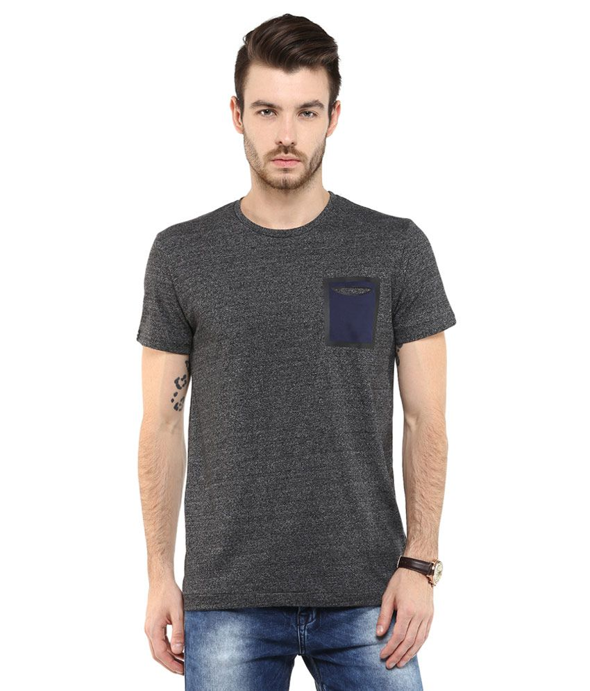Mufti Black Solid Slim Fit T-Shirt