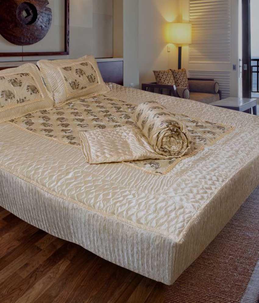 Wedding bed sheet set - Ooltah Chashma Satin Designer Double Bed Bedding Wedding Set Set Of 4 Pcs 1