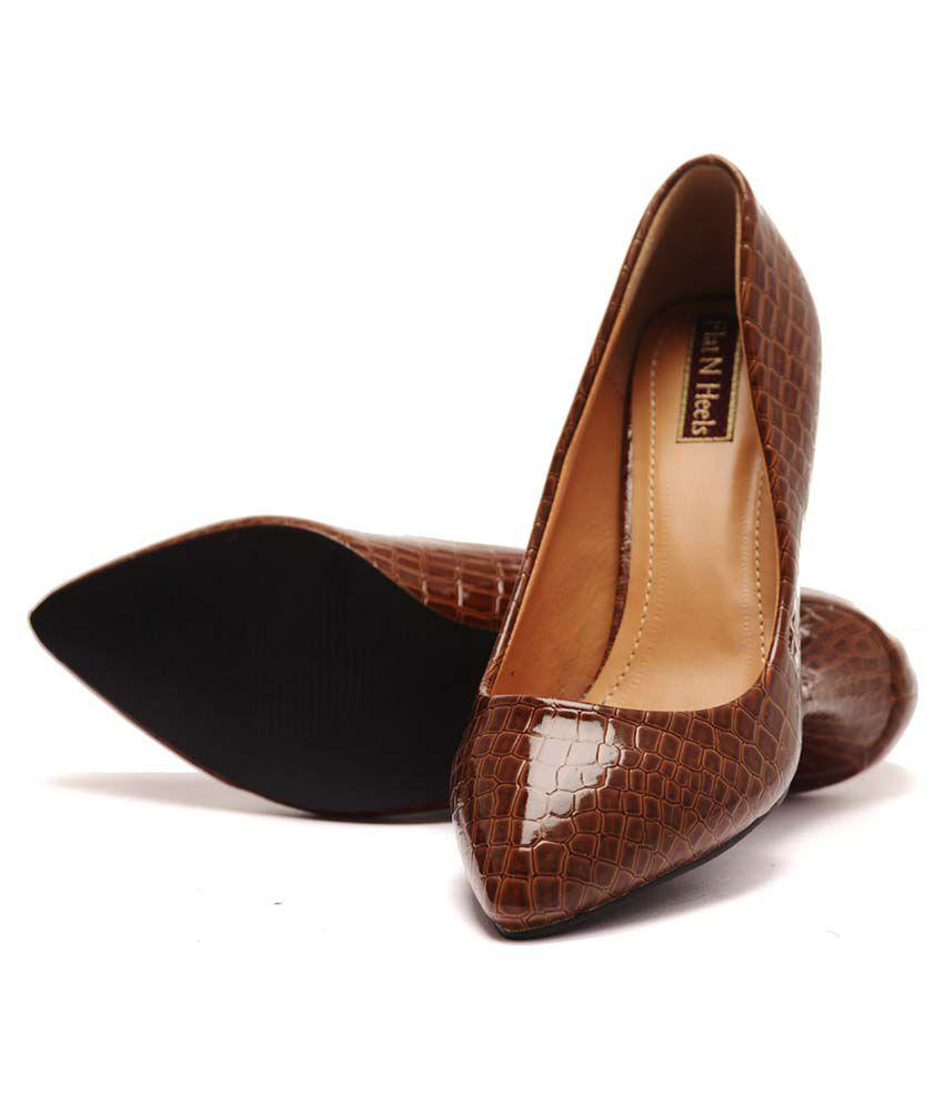 Flat N Heels Brown Kitten Heels Price in India- Buy Flat N Heels ...
