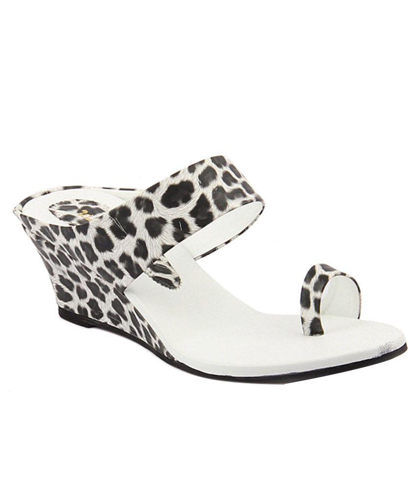 Wellworth Black Wedges Heels