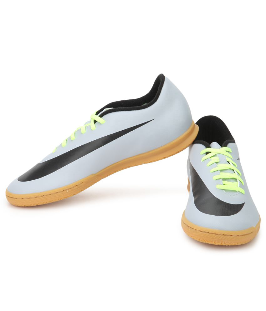 Nike Bravata Ic Gray Sport Shoes - Buy