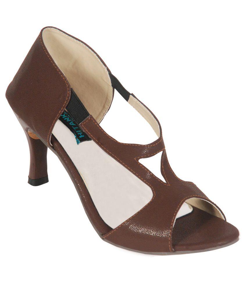 Hitanksha Harshit Brown Heels