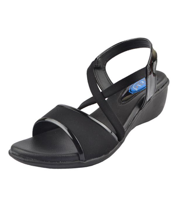 Relief Black Heels