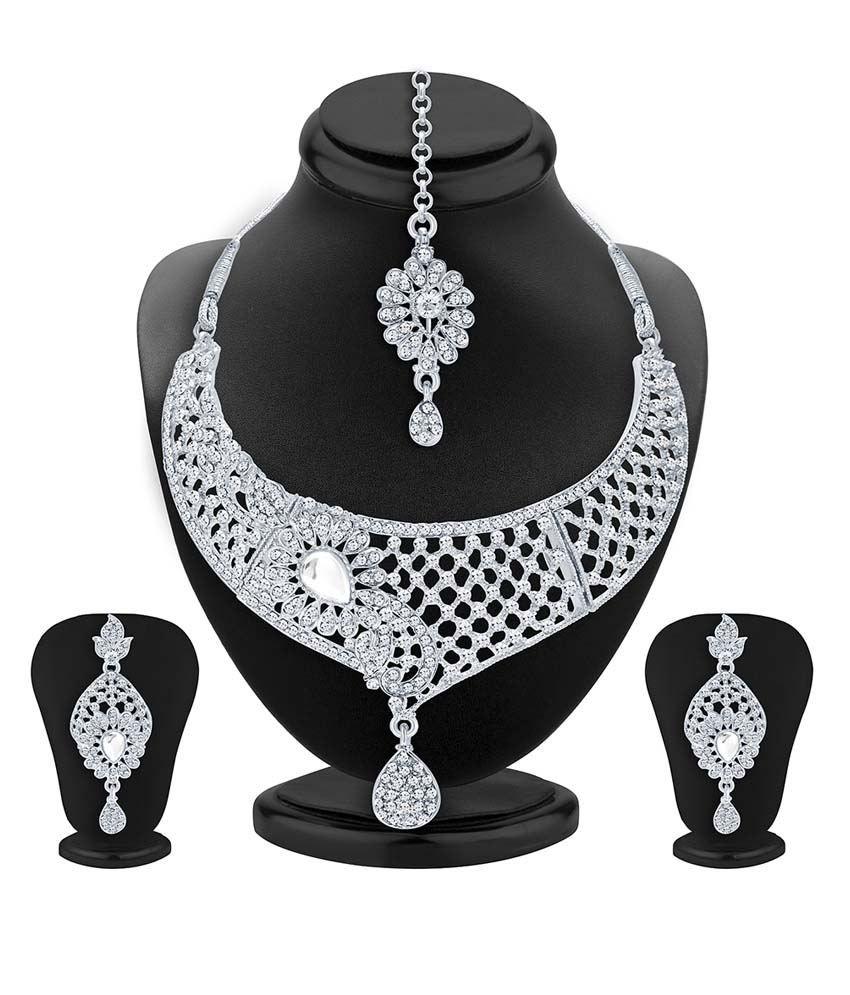 Sukkhi White Alloy Necklace Set With Maang Tika