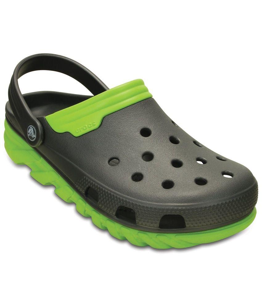 4354e0dc4710 crocs roomy fit black floater sandals buy crocs roomy fit black rh snapdeal  com crocs roomy