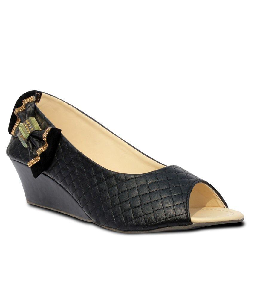 Indilego Black Wedges Heels