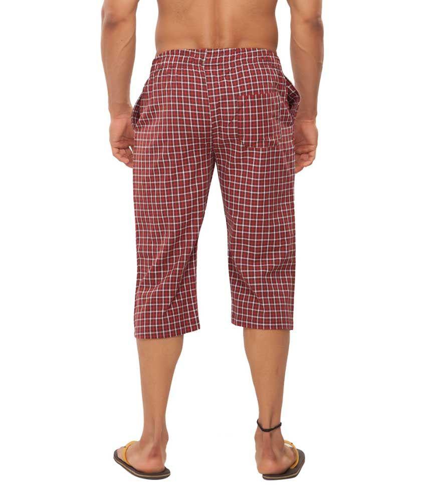 Clifton Fitness Men's Woven Capri- Maroon /Red Checks