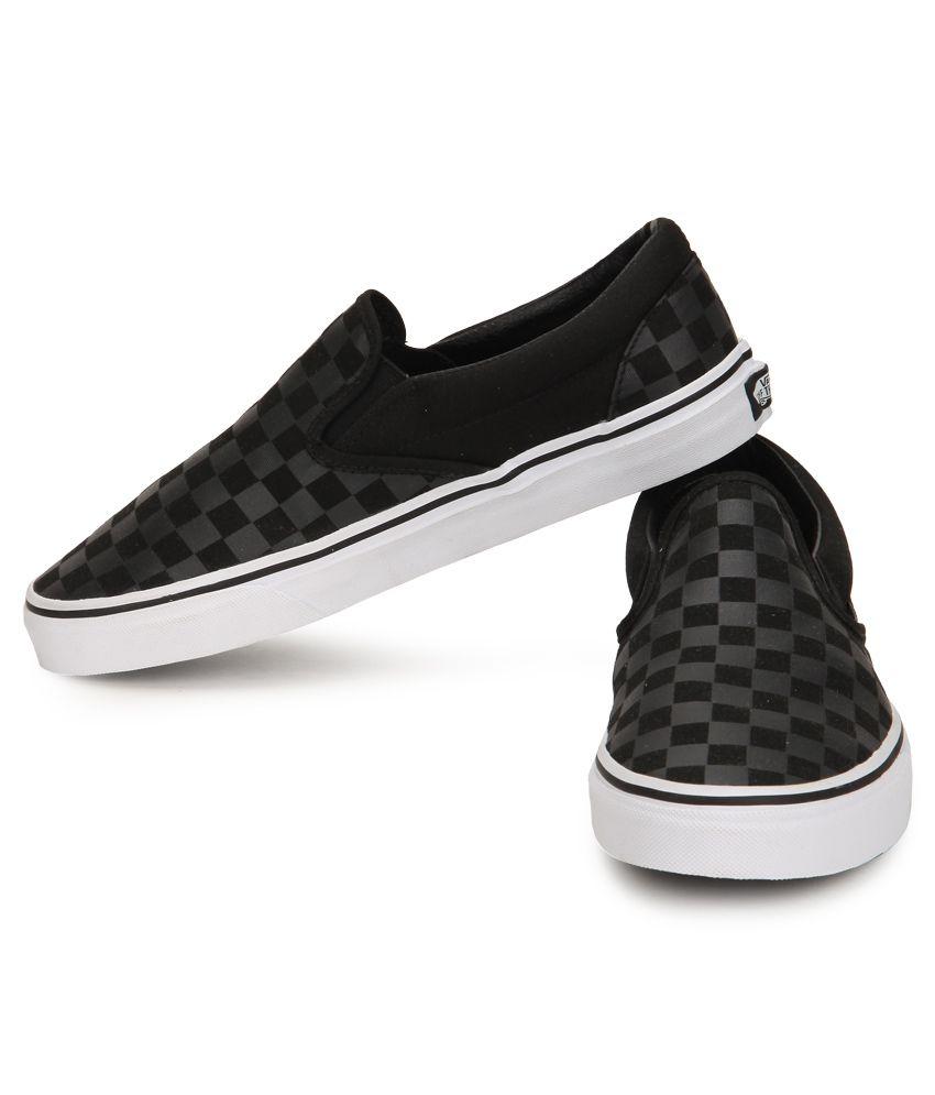 306d793152 Vans Classic Slip-On Black Canvas Casual Shoes - Buy Vans Classic ...