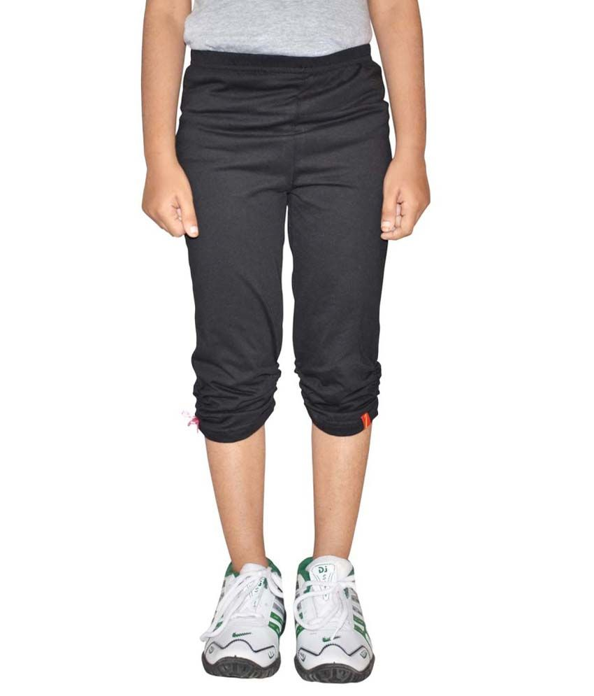 Metro Collections Black Cotton Capris