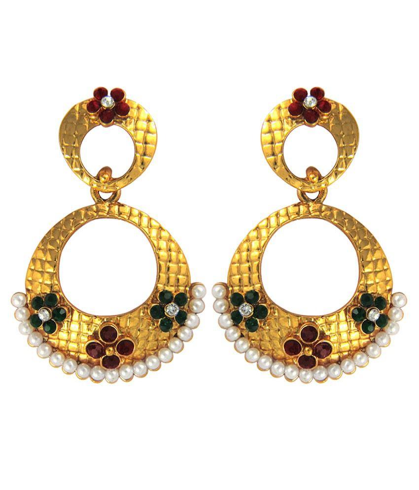 Donna Golden Brass Hanging Earrings