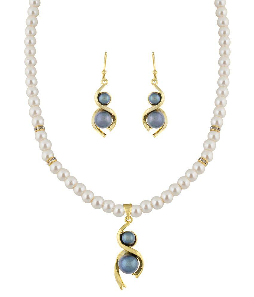 Classique Designer Jewellery White Alloy Necklace Set