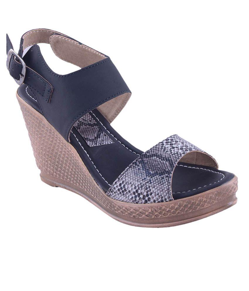 Adorn Black Wedges Heels