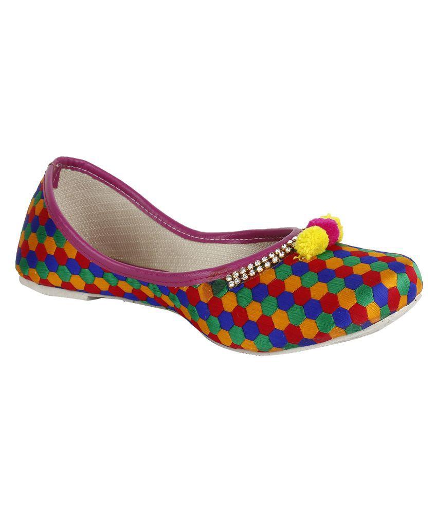 Saashiwear Multi Ethnic Footwear